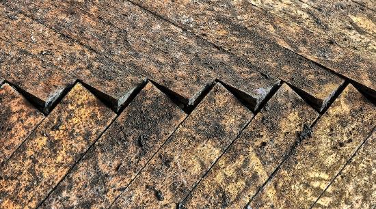 Water damage from leaking water to hardwood flooring